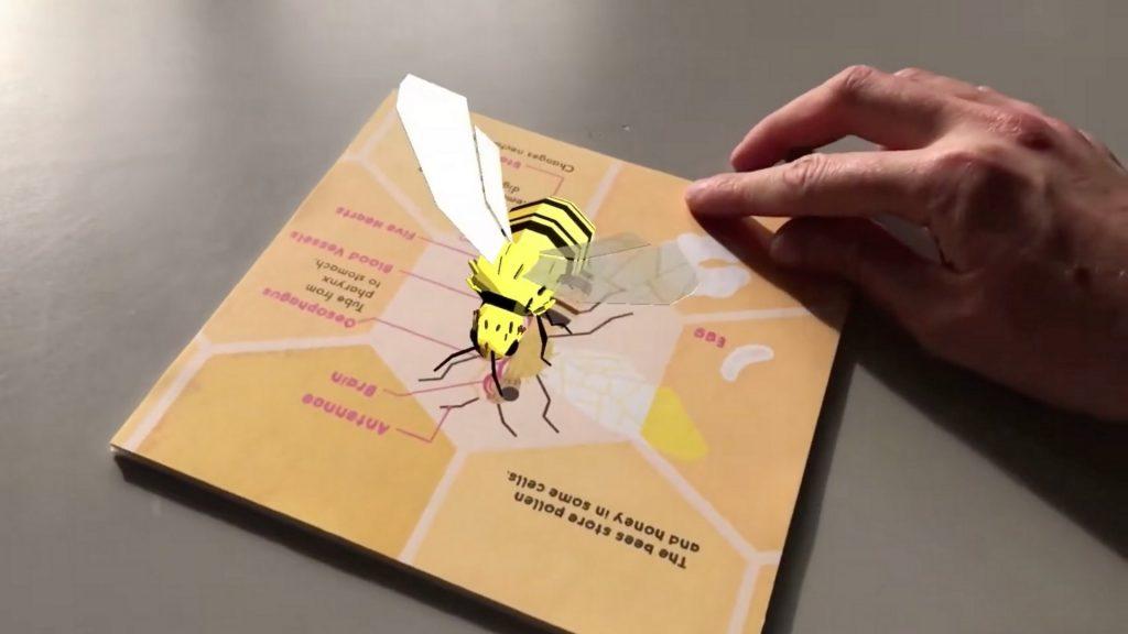 beautiful CGI bee by Grace
